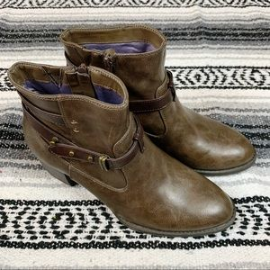 White Mountain Brown Strappy Ankle Booties